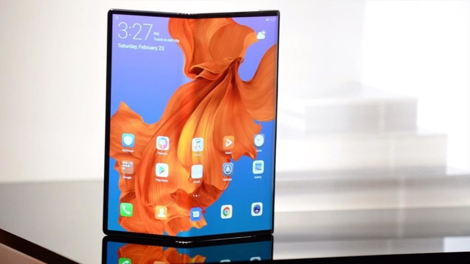 Huawei: Mate X è solo l'inizio, gli smartphone pieghevoli diventeranno alla portata di tutti