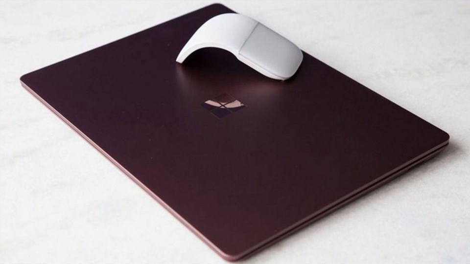 Surface Laptop, fino al 40 di sconto sul Microsoft Store